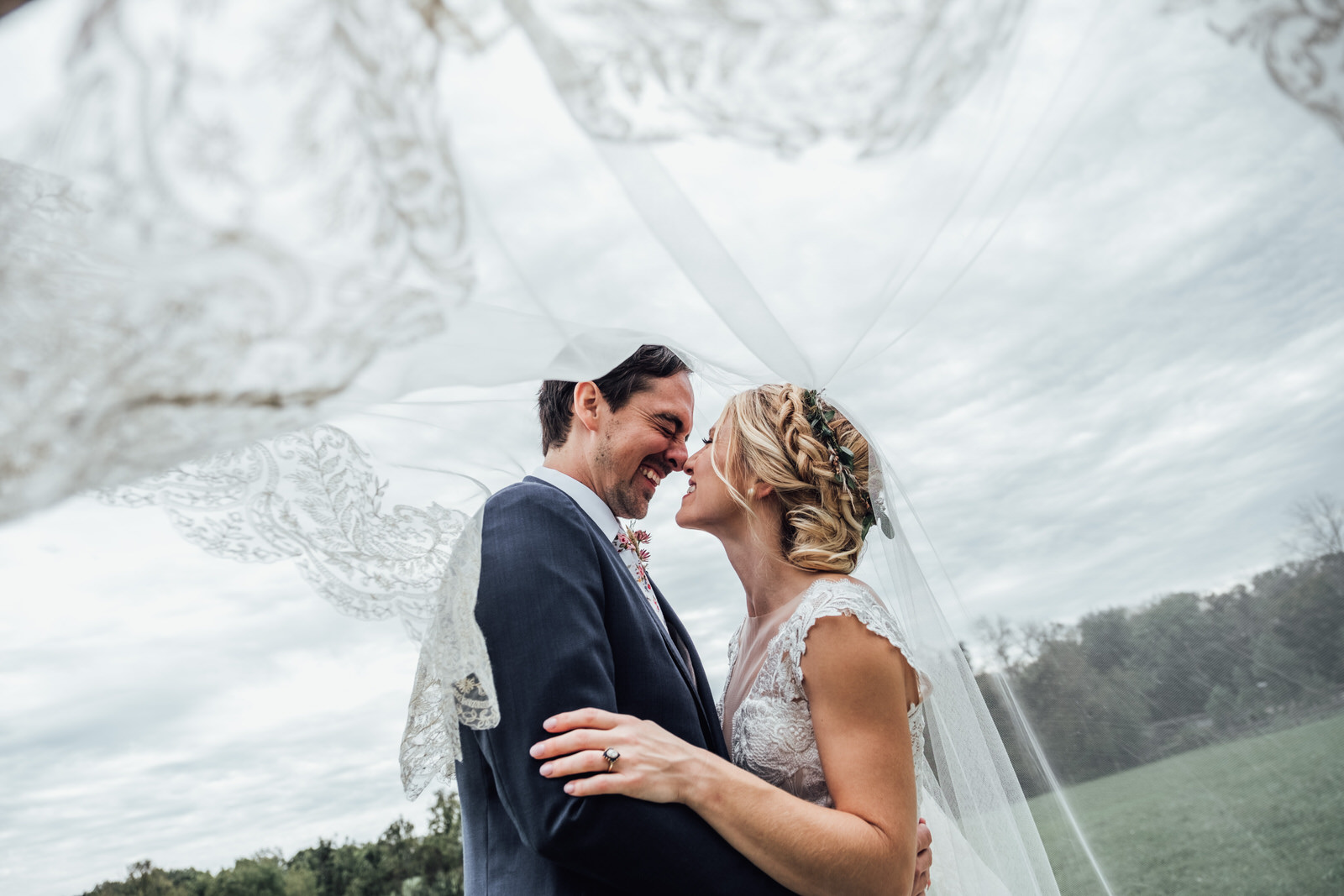 durham hill farm barn wedding venue veil portraits
